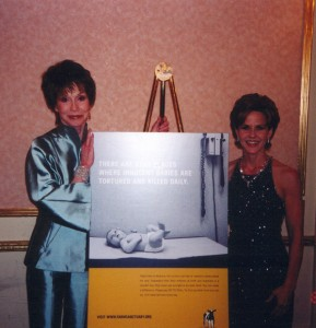 Mary Tyler Moore and Linda at a farm sanctuary event in NYC